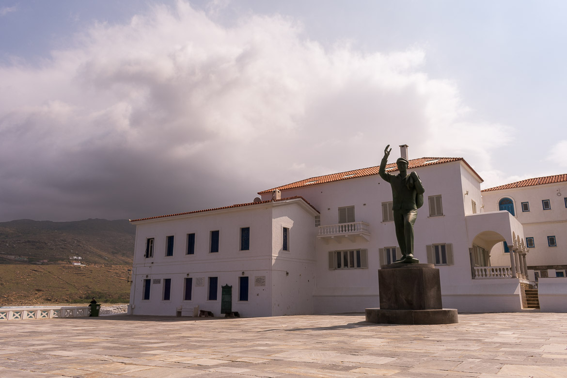 Goulandris Square in Chora Andros is a magnificent marble square overlooking the Aegean Sea. The centerpiece of the Square is the tall bronze statue of the Unknown Sailor.
