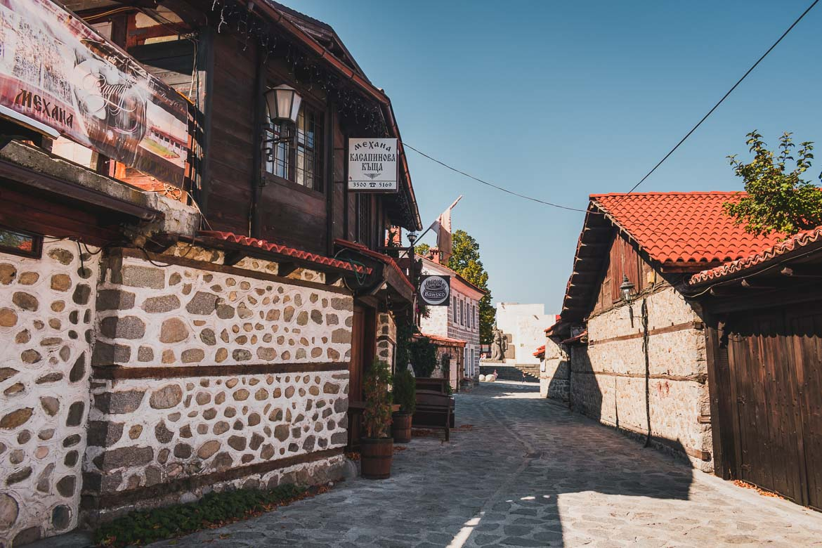 This photo shows the area around Guesthouse Khan Kadiata in Bansko Old Town Bulgaria. Top 5 things to do in Bansko apart from skiing.