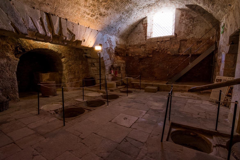 This photo shows the interior of il frantoio ipogeo in Martignano.