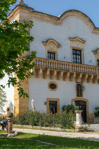 This image shows the main building of one of countless masserie that dot Puglia's countryside.