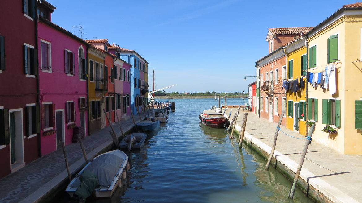This photo shows Fondamenta Pontinello in Burano, Veneto, Italy. Venice islands the perfect Venice day trip.