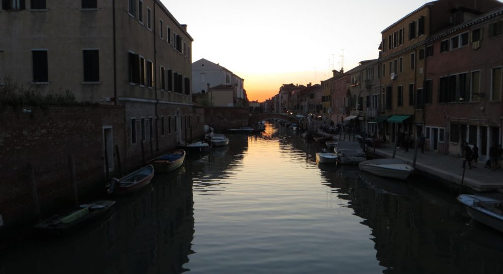 This is a photo of the Cannaregio district in Venice, Italy at dusk. What to do in Venice: our complete guide to La Serenissima.