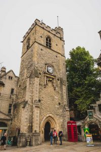 This photo shows the Carfax Tower in the centre of Oxford, England.