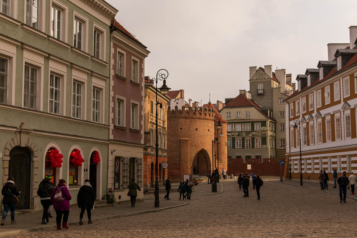 Freta street is one of the most beautiful streets in Warsaw New Town. Winter in Warsaw. Top things to do and Warsaw city guide.