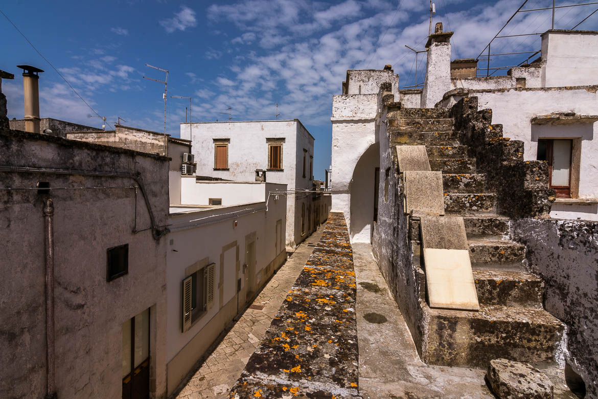 This photo was taken from the mignano at Corte Candelora. There is a view to nearby houses. .