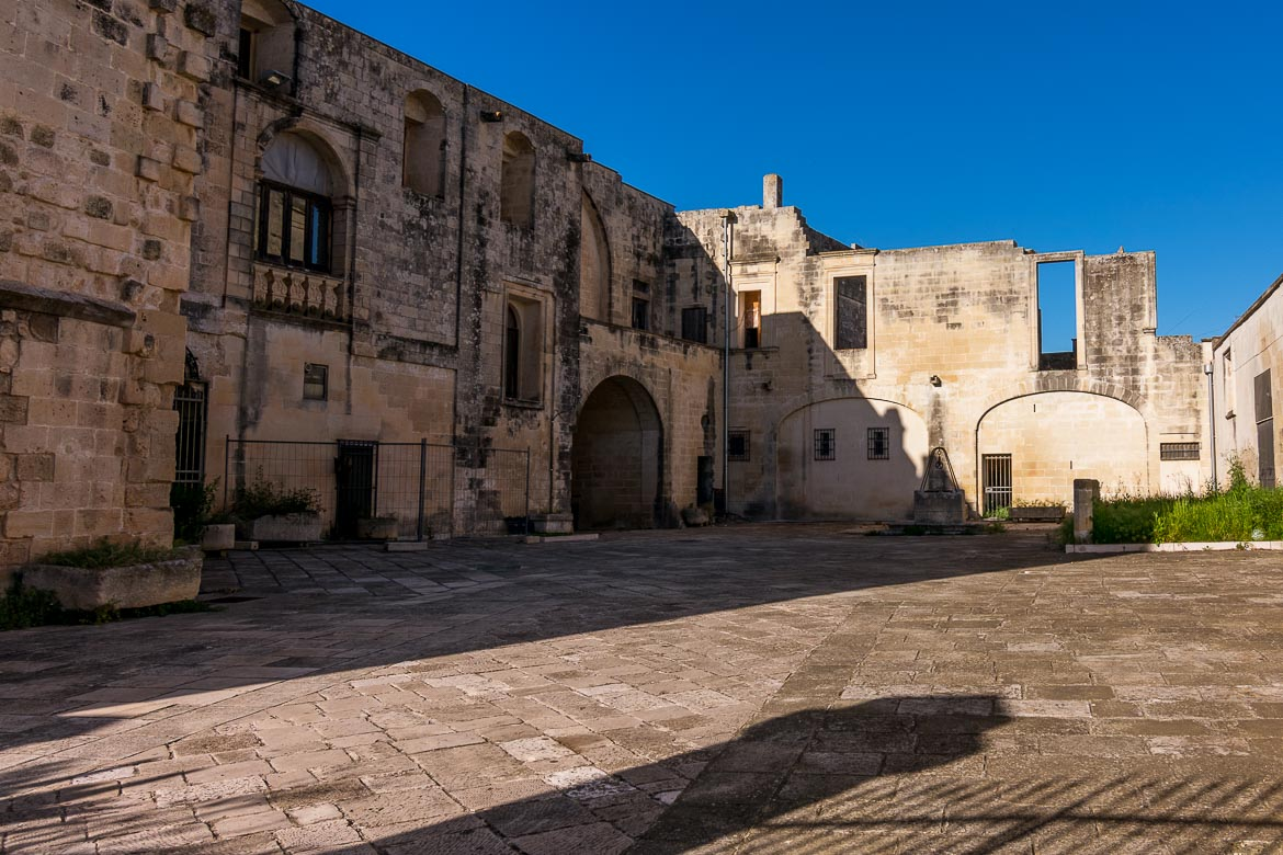 This image shows old buildings in Martano in absolute silence during siesta time.