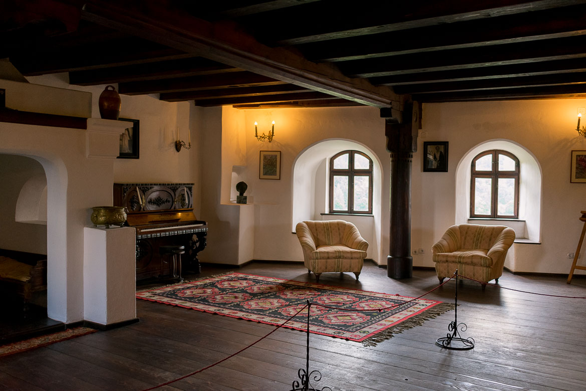 This is a photo of the music room in Castelul Bran. Plan the perfect half day trip from Brasov to Bran Castle.