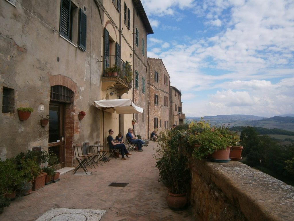 Travel blog It's all trip to me Pienza Tuscany Italy