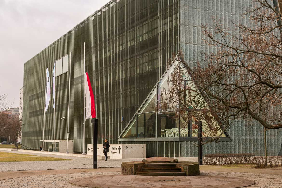 POLIN Museum is one of the best museums in Warsaw Poland. Winter in Warsaw. Top things to do and Warsaw city guide.