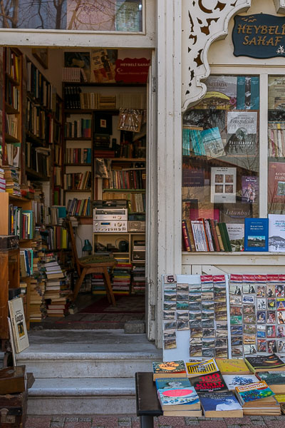 This photo shows a quaint bookshop at Lozan Zaferi Street on Heybeliada Island. It is filled with old books and it has an aura of nostalgia for times gone by.