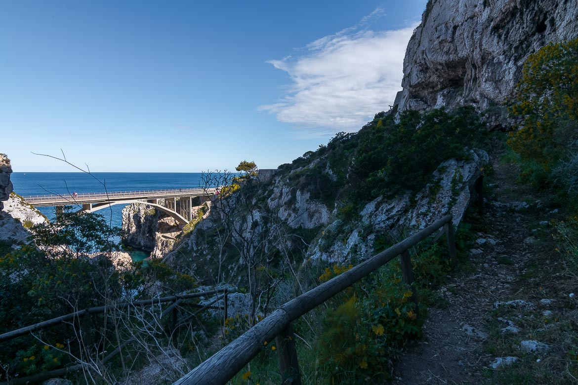This image shows part of the Sentiero delle Cipolliane. This is a fantastic walking path in a unique natural setting with gorgeous sea views.