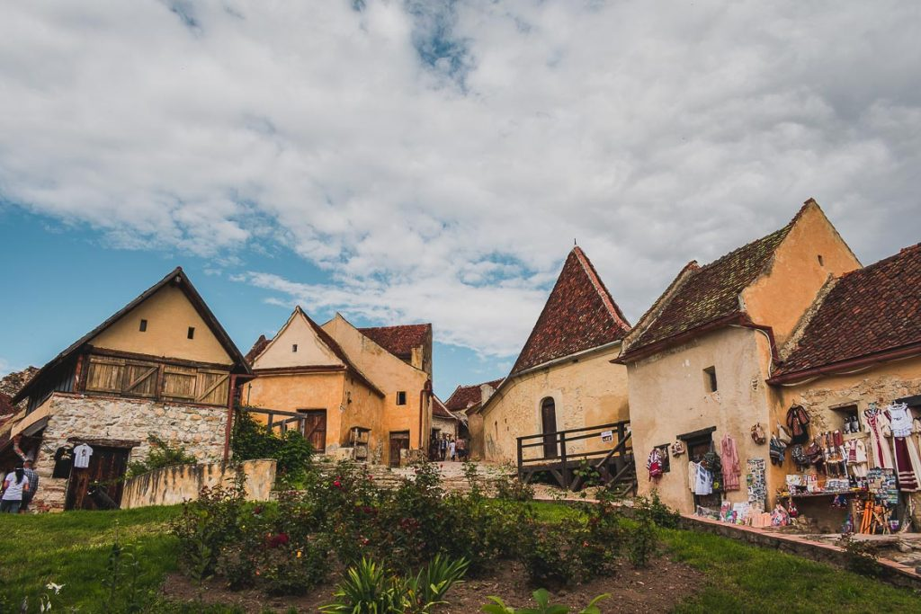 Top 7 Romanian Castles in Transylvania. Rasnov Fortress.