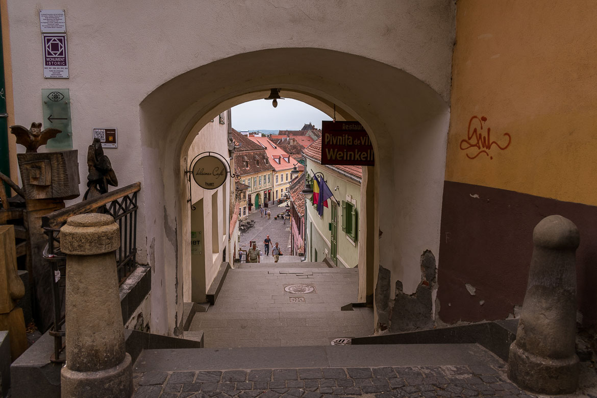 Sibiu Old Town is divided into two parts. The Upper Town which represented the wealthiest part of the city and the Lower Town. The latter used to be the manufacturing area of Sibiu Transylvania. 11 amazing things to do in Sibiu Romania.