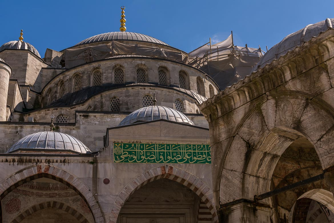 Blue Mosque. The best sightseeing tours in Istanbul.