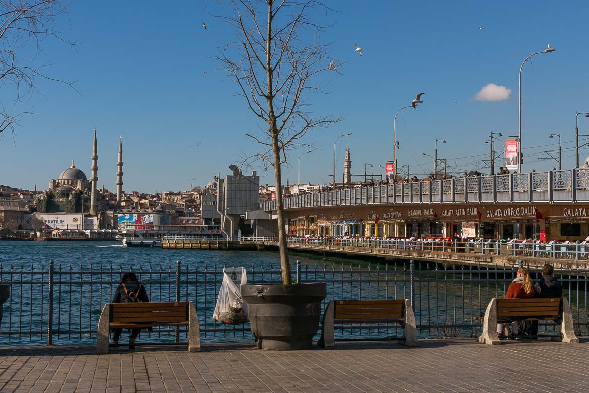 Galata Bridge. The best sightseeing tours in Istanbul.