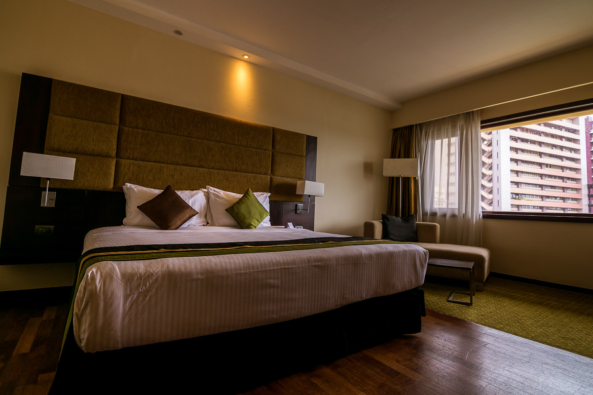 This is the interior of our room at Cinnamon Lakeside Hotel, an ideal accommodation option for 2 days in Colombo.