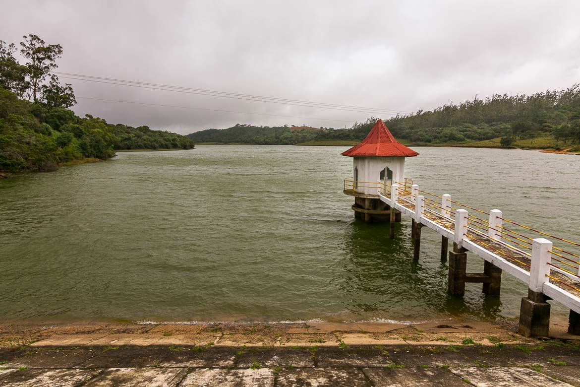 This image shows picturesque Kande Ela tank near Nuwara Eliya on a cloudy day.