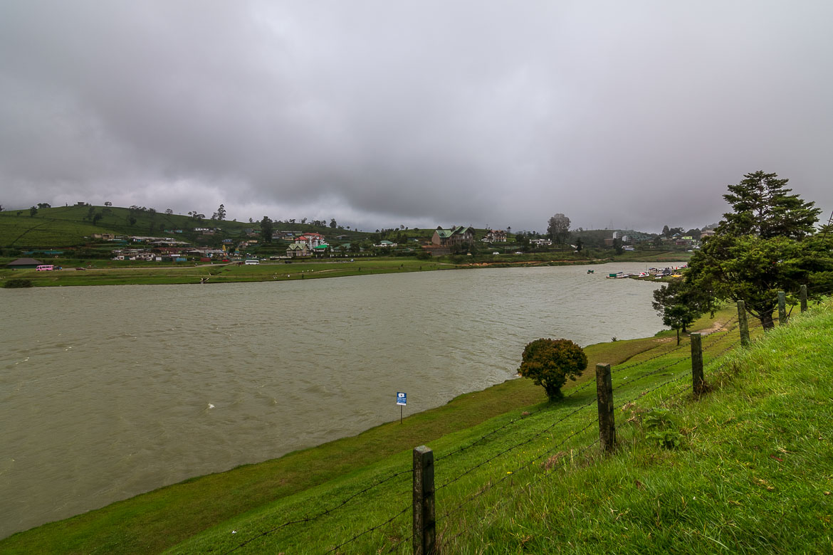 This is a panoramiv view of Lake Gregory in Nuwara Eliya on a very cloudy day.