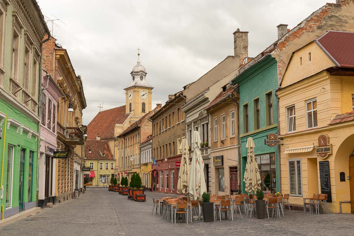 What to do in Brasov Romania in 2 days. Strada Republicii very early in the morning.