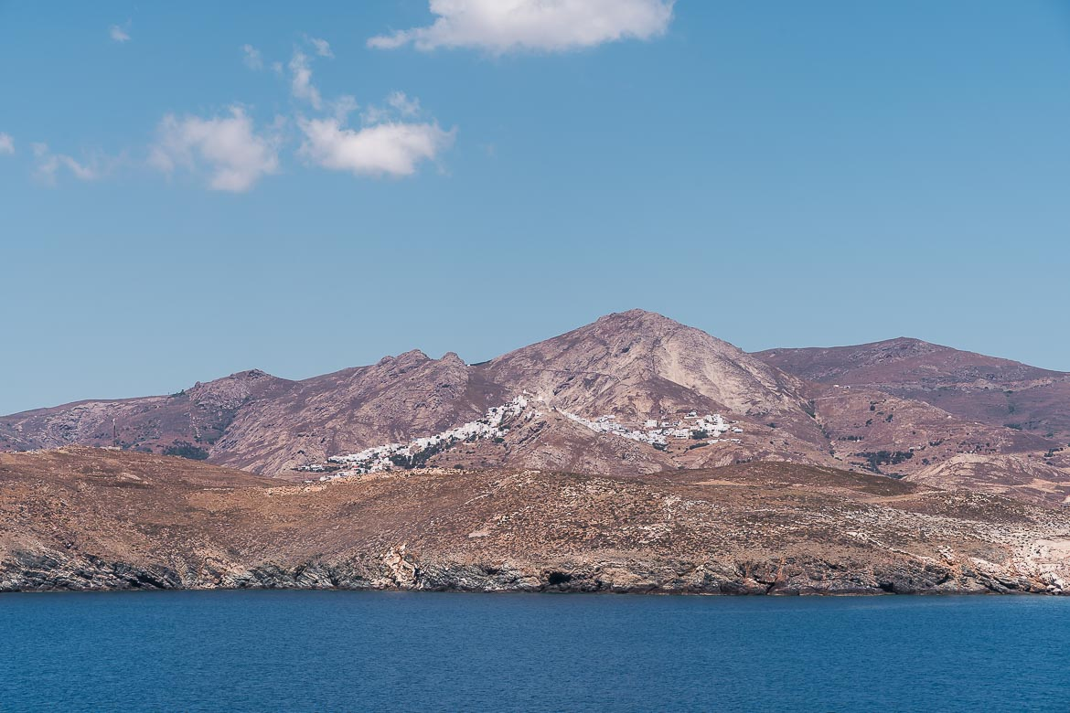 This image shows the view of Chora from the ferry.