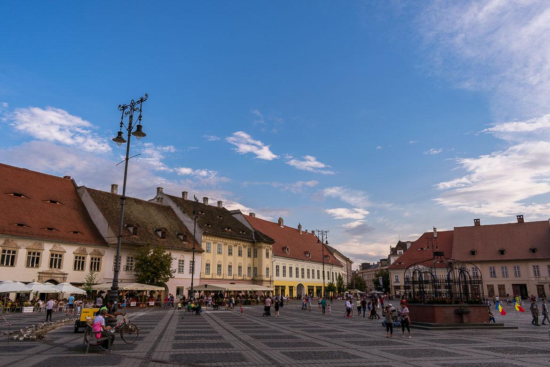 Piata Mare in Sibiu. 11 amazing things to do in Sibiu Romania.