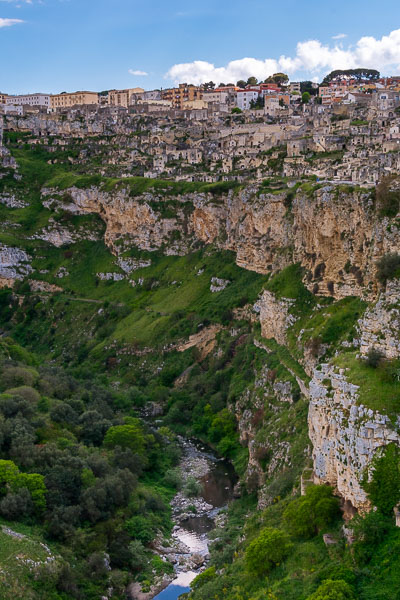 This image shows the Casalnuovo district in Matera as well as the dramatic ravine.