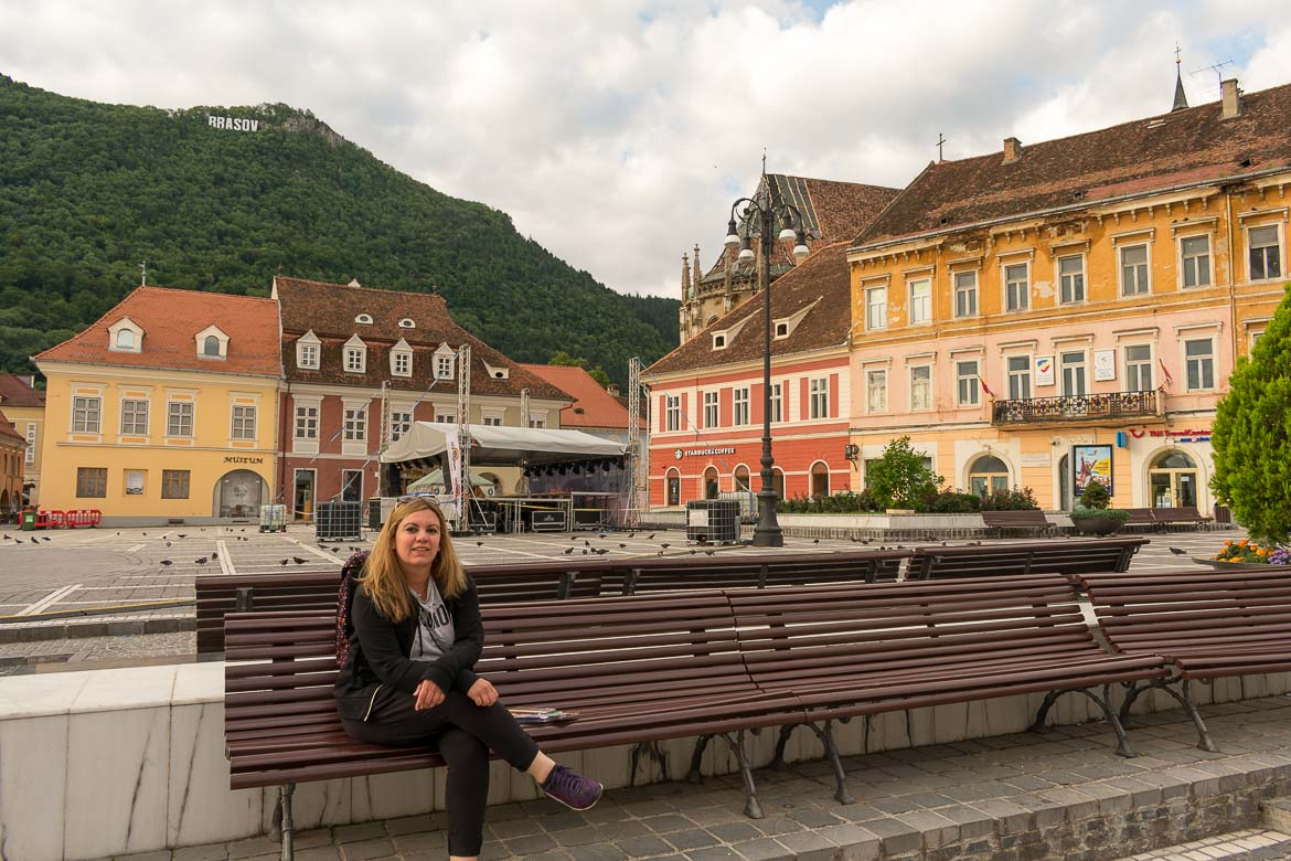 What to do in Brasov Romania in 2 days. Piata Sfatului very early in the morning.
