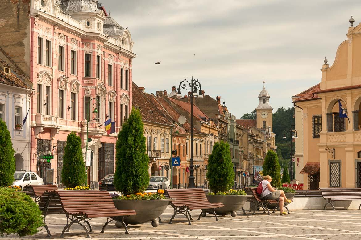 What to do in Brasov Romania in 2 days. Early morning in Piata Sfatului.