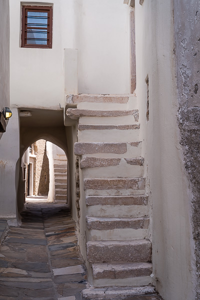 This image shows an alley in the Castle.