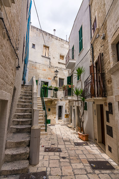 This is a photo of a quaint narrow alley in centro storico, the historic centre.