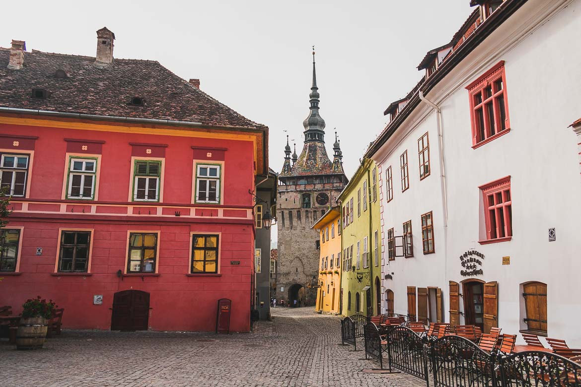 Piata Cetatii is the heart of medieval Sighisoara in Transylvania. What to do in Sighisoara Romania in 24 hours.