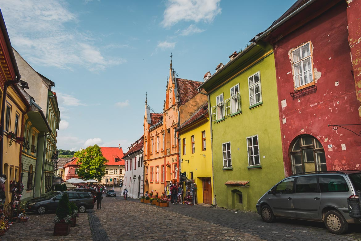 Getting lost in the narrow colourful alleys of Sighisoara Citadel is utterly charming. What to do in Sighisoara Romania in 24 hours.