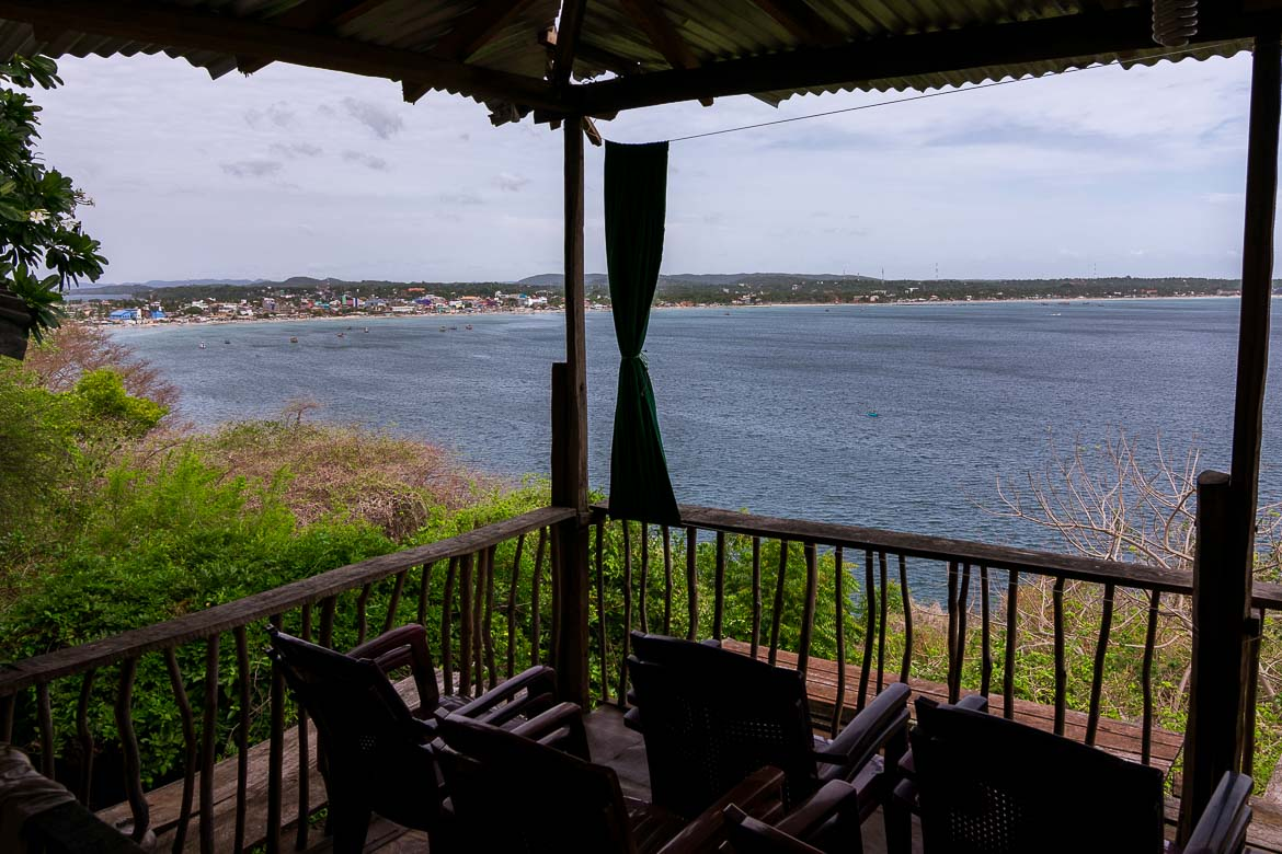 This photo shows the view to the ocean from one of the cafes inside Fort Fredrick.